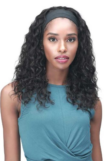 Bobbi Boss MH1405 Viana Wig Model Front